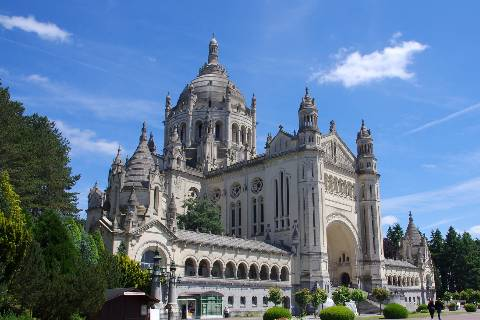 Visiter basilique Lisieux