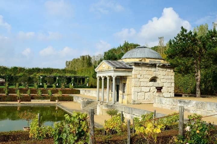 Parc floral château Champ-de-Bataille